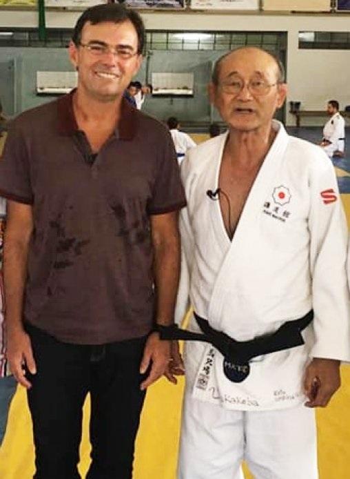 Tino Marcos ao lado do Sensei Uichiro Umakakeba em matéria especial para o Jornal Nacional.